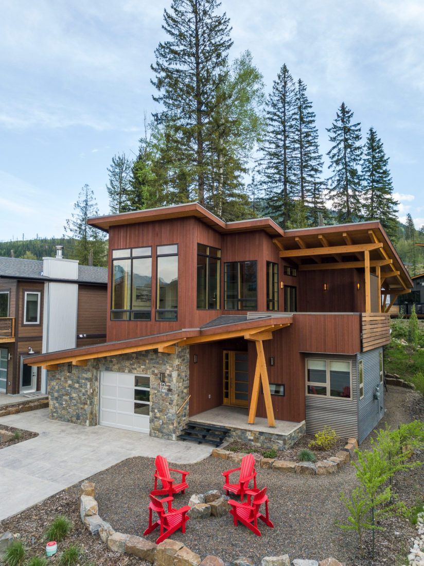 Karlos, built by Elk River Mountain Homes.   Photo: @MKuhnPhoto